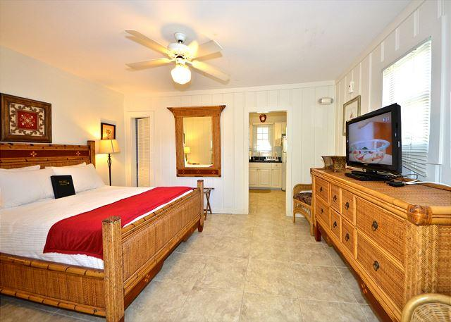 """MALLORY SUITE""  1 Block from Duval St. Great KW Deal - Image 1 - Key West - rentals"