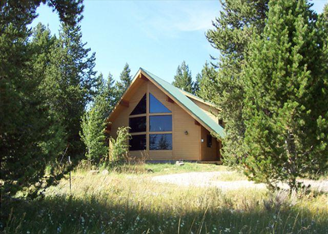 Standing Pine Lodge - Standing Pine sits on 10 acres of privacy. - Island Park - rentals