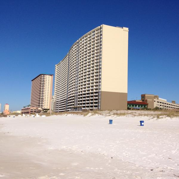 NEW LOOK Freshly painted building - 7th Heaven@ Emerald Beach Spring on sale!! - Panama City Beach - rentals