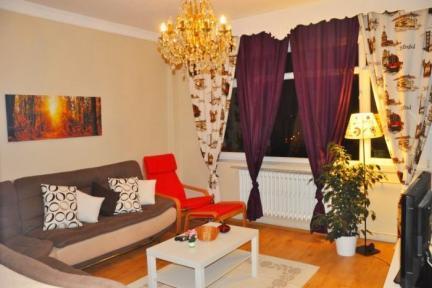 Large Apartment Close to Sultanahmet - 5130 - Image 1 - Istanbul - rentals