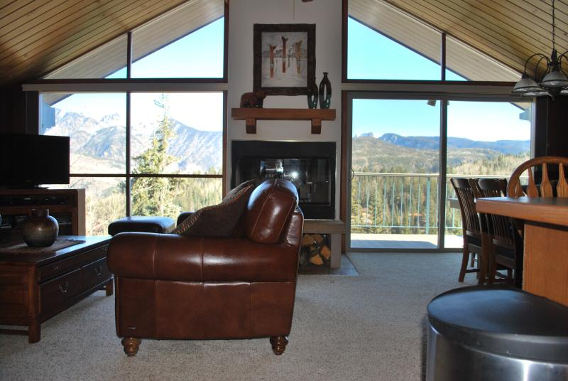 Ski In / Ski Out Cliff Side Condo - Image 1 - Durango - rentals