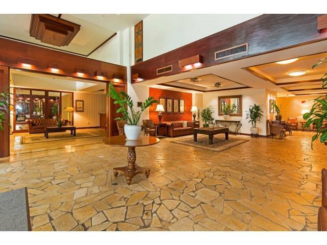 Windsor Grand Lobby Entrance - Waikiki Windsor- Ocean View -Free Wi-Fi & Parking - Honolulu - rentals