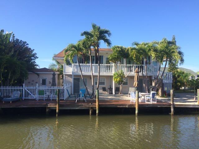Widgeon Cottage. canal view. - Widgeon Cottage. Heated Spa/Pool. Amazing resort! - Fort Myers Beach - rentals