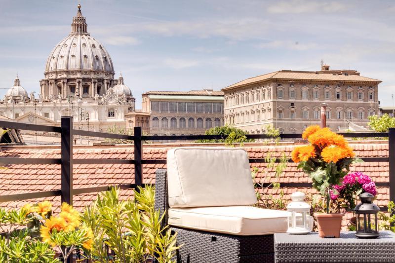 Borgo Pio Terrace Apartment-San Pietro view - Image 1 - Rome - rentals
