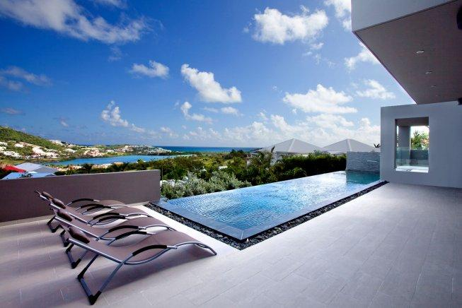 Spacious modern 3 bedroom villa with gym, jacuzzi and view over Orient Bay - Image 1 - Orient Bay - rentals