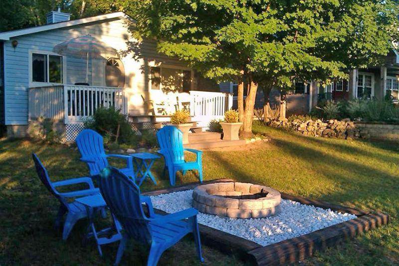 My Blue Haven cottage (#620) - Image 1 - Sauble Beach - rentals