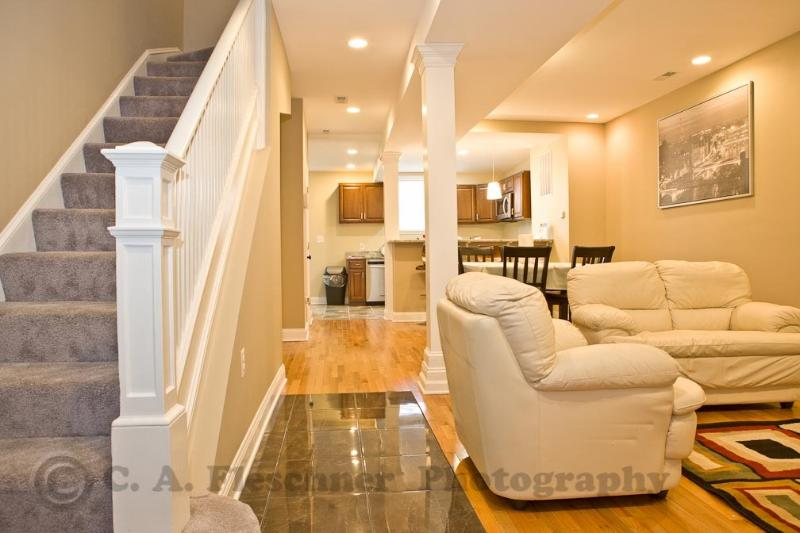 Main level entrance - 5 Bedrooms for Family & Friends - Washington DC - rentals