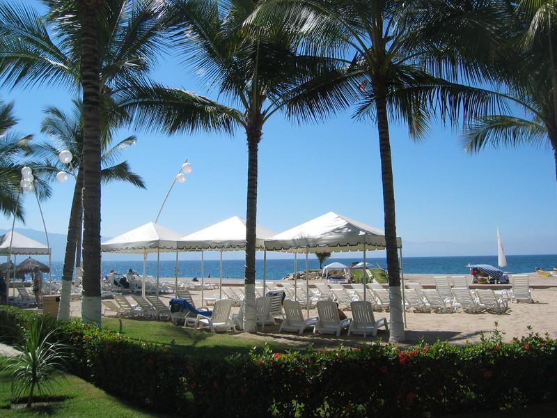 SRT 932 - Beachfront, Ocean Views, Great Beach - Oceanfront Condo on Great Beach, Pool, WiFi (932) - Puerto Vallarta - rentals