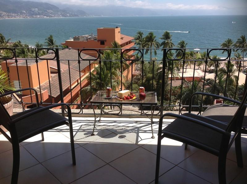 SRT 742 - Casa Papa - Beachfront with lovely views - Beachfront Condo with Ocean views, Pool - Puerto Vallarta - rentals