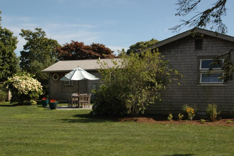 #7159 Vacation rental w/ many amenities - Image 1 - Edgartown - rentals