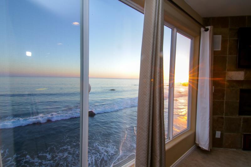 Malibu Paradise - NEWLY RENOVATED! - Image 1 - Malibu - rentals