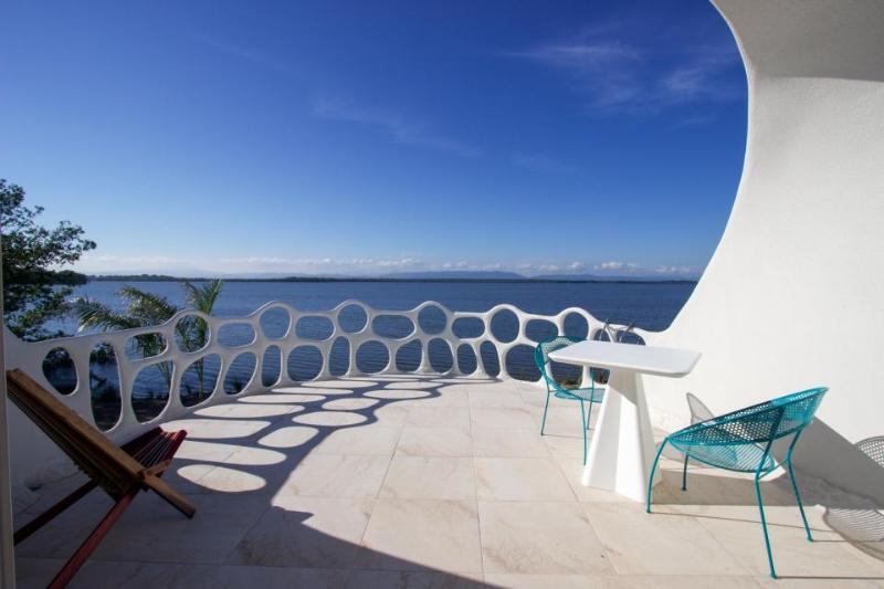Two private waterfront retreats w/ pool access, close to gorgeous beach - Image 1 - Placencia - rentals