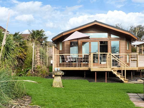 WESTVIEW, luxury lodge, all ground floor, WiFi, underfloor heating, near Weston-super-Mare, Ref 918699 - Image 1 - Weston super Mare - rentals