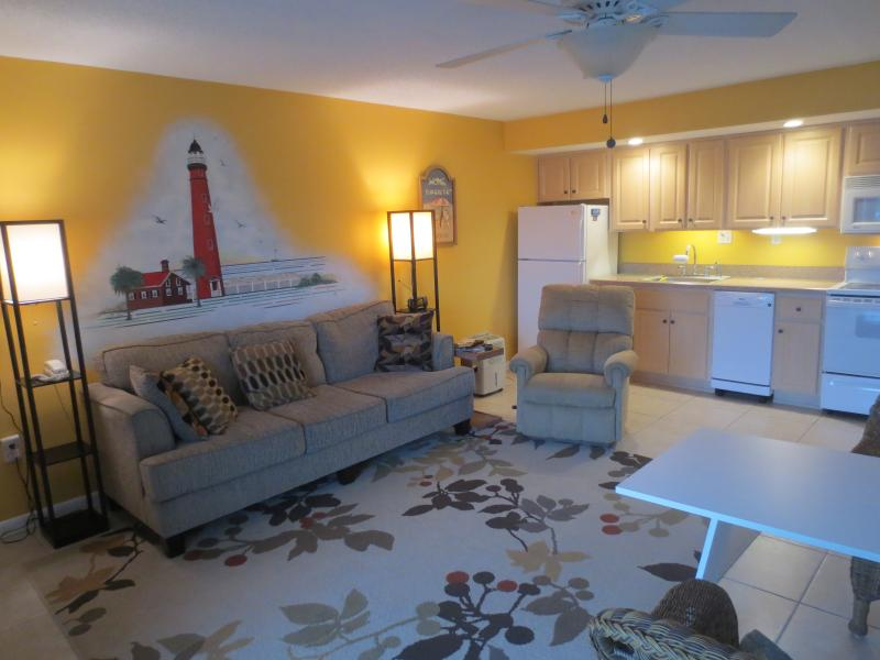 Studio Condo across from Beach - Image 1 - New Smyrna Beach - rentals