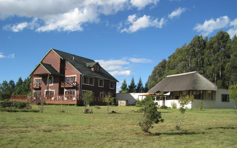 Main Lodge and Lapa - Greystone Lodge Private Nature Reserve - Chalets - Belfast - rentals