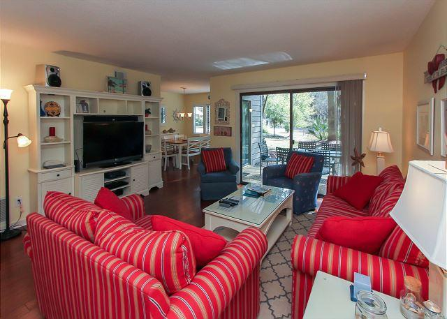 Main Living Area - 2311 Racquet Club-Beautiful 1st floor flat quick walk to Harbour Town! - Hilton Head - rentals