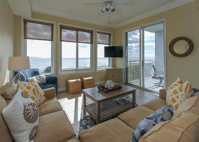 Living Area - 3304 SeaCrest -3rd Floor/Direct Oceanfront Views that are OUTSTANDING - Hilton Head - rentals