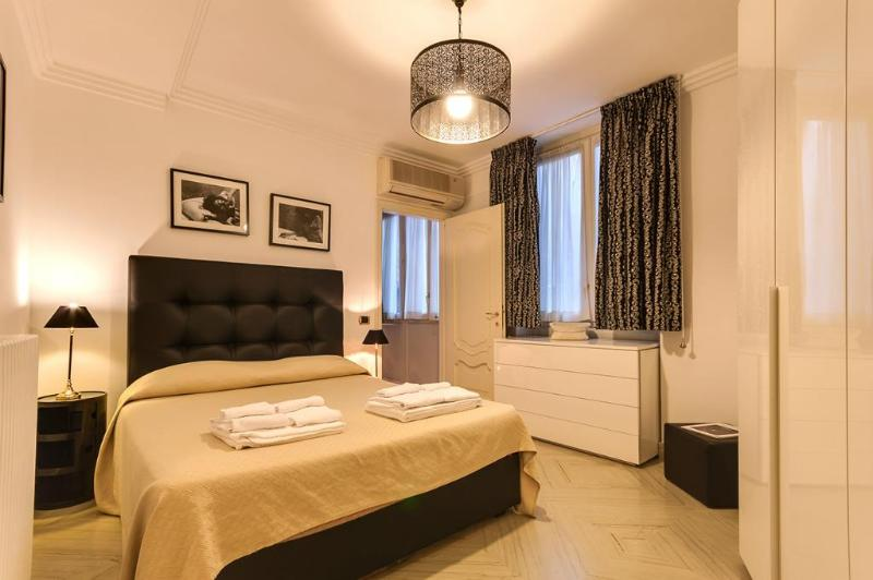 Spanish Steps Luxury 2 - Image 1 - Rome - rentals