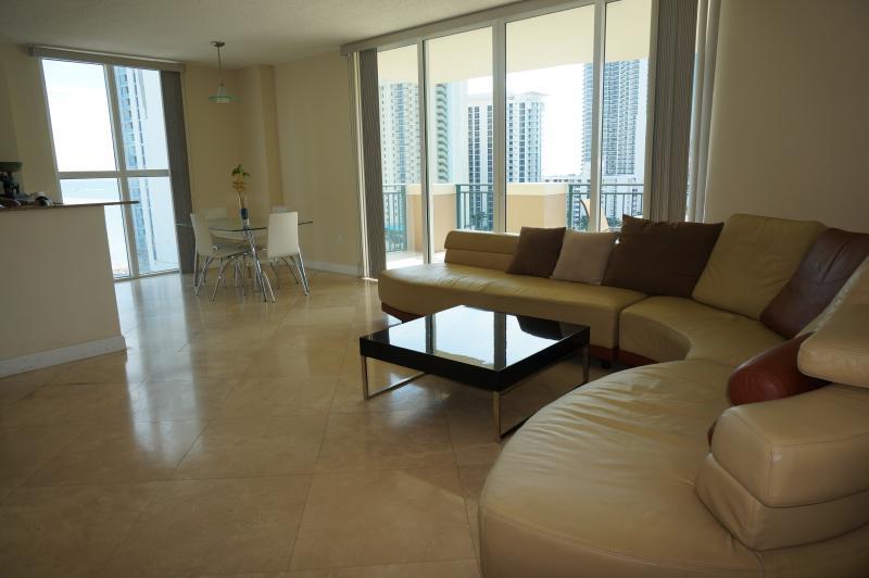 LIVING ROOM - Luxury Penthouse 3/2 Condo  Sunny Isles Beach - Sunny Isles Beach - rentals