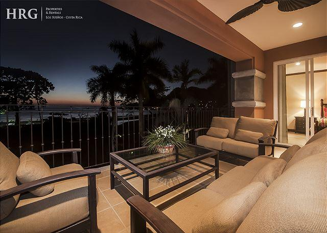 Enjoy Evenings at the Privacy of your accommodation with Great Sunset. - Luxurious Sunset View Condo at Los Sueños! Available for the Holidays! - Herradura - rentals