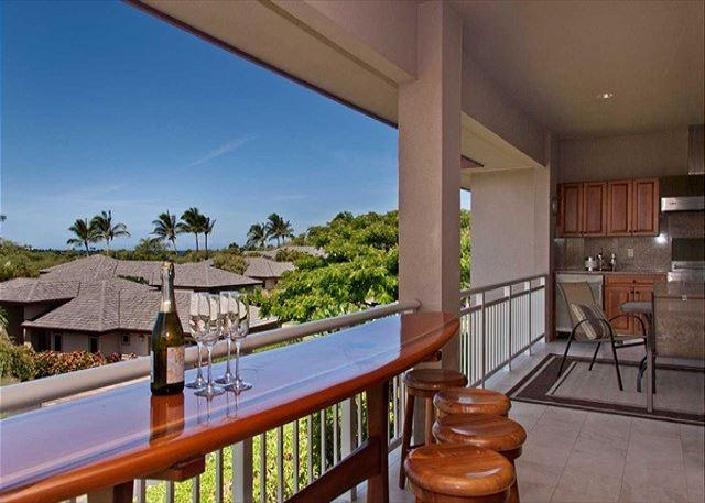 Surfs up! Surfing bar and view of the ocean. Don't they go hand in hand? - Mauna Lani Townhome with Golf Course and Ocean View! VIP Beach Pass Included! - Kamuela - rentals