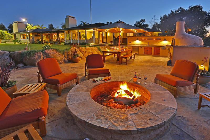 Year round outdoor ambiance - Bella Vista - Carpinteria - rentals