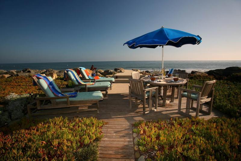 Oceanfront Deck - Driftwood Beach Retreat - Carpinteria - rentals