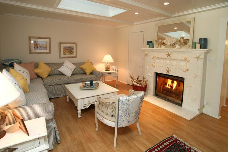 Living Room - Seashell Cottage - Montecito - rentals