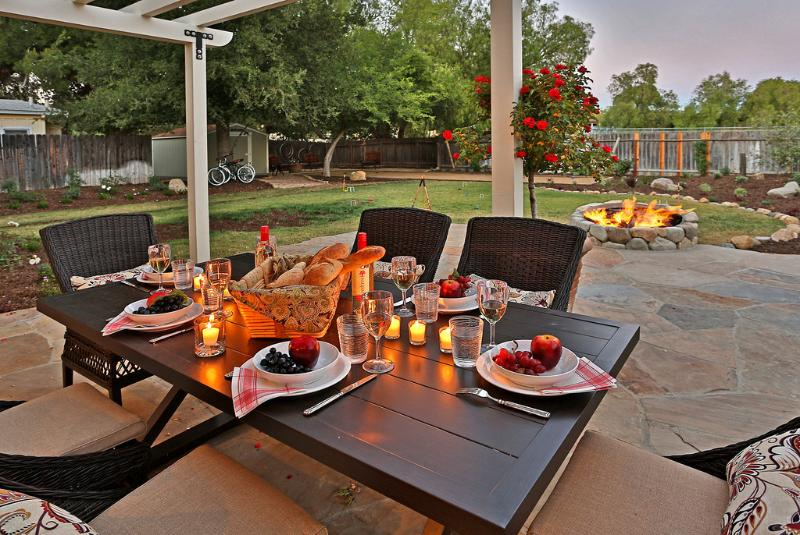 Enjoy leisurely dining or sit by the fire pit - Wine Barrel Cottage - Los Olivos - rentals