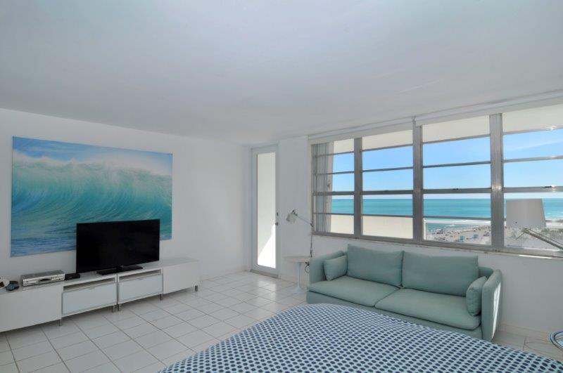 Decoplage South Beach Vacation Rental Studio Ocean - Image 1 - Miami Beach - rentals