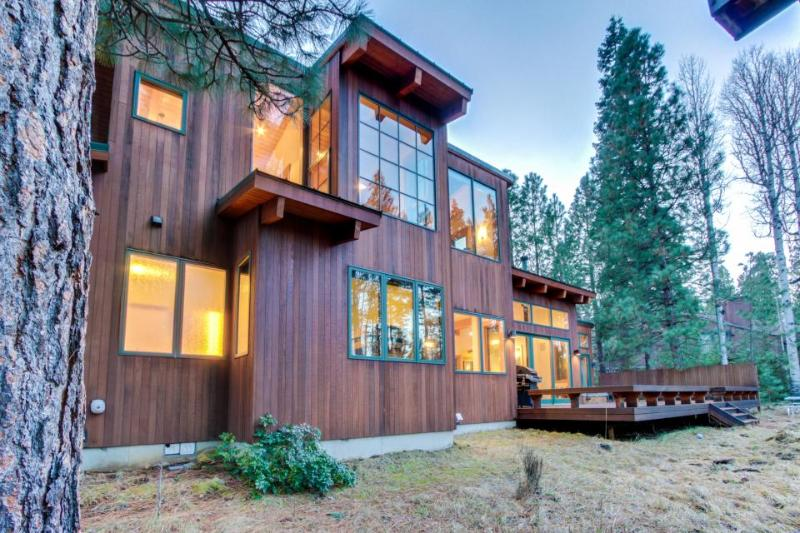 Spacious home w/ a private hot tub, resort pools, and a shared fitness center! - Image 1 - Black Butte Ranch - rentals