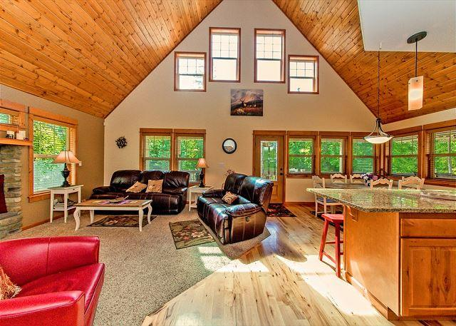 Paradise Lodge - Incredible Mt. Home! Huge Game Room|Hot Tub|Slps16|Wifi *Specials* - Ronald - rentals