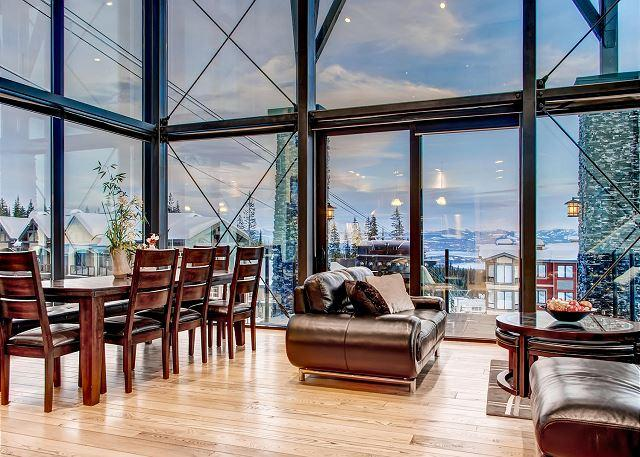 Dinning Room Edge 21 - The Edge 21 is a Stunning and Innovative Ski Home in Big White - Big White - rentals