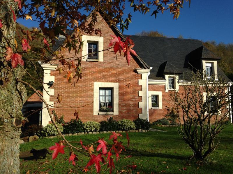 Le Petit Château - Just 1h 15mins drive from Calais! 2 bedroom suite. - Vieil-Hesdin - rentals