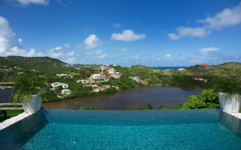Open Space - Ideal for Couples and Families, Beautiful Pool and Beach - Image 1 - Petit Cul de Sac - rentals