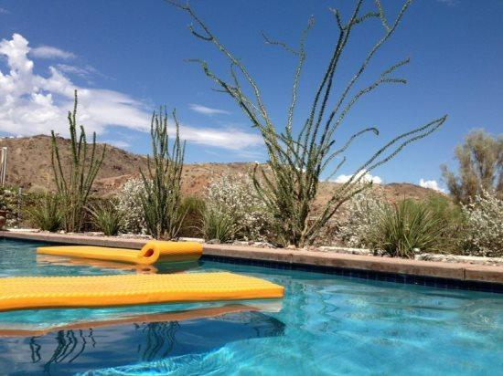 Serene Surrounding Mountain Views from Pool - A Pool House for Nature Lovers - Cathedral City - rentals