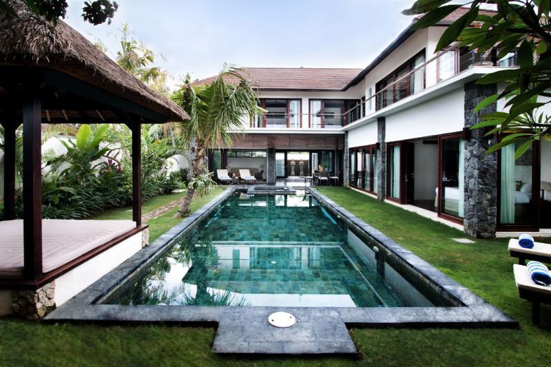 Luxurious 3 or 4 bedroom private villa in Seminyak - Image 1 - Seminyak - rentals