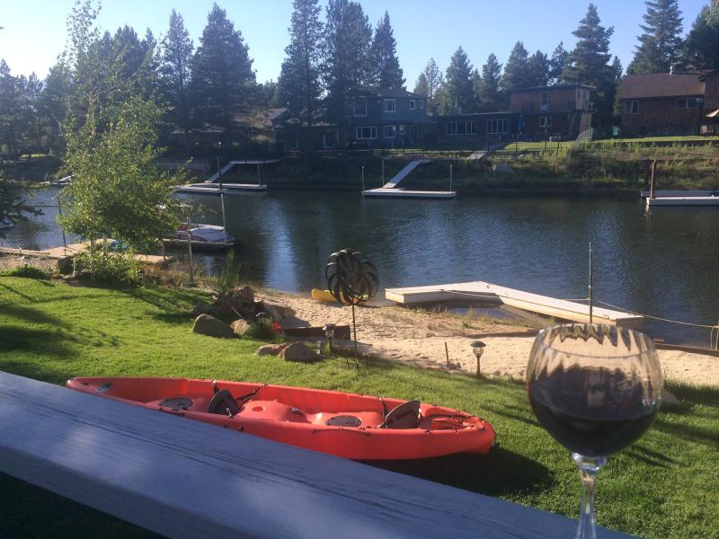 RELAXING ON DECK OVER  LOOKING WATER THATS TAKES YOU ANYWHERE YOU WANT TO GO ON THE LAKE..!!! - BIG Beautiful LAKE house.!  Private beach & Boat dock. Boat  on Lake Tahoe...!! - South Lake Tahoe - rentals