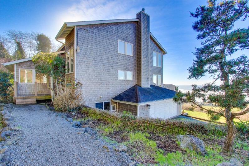 Enjoy gorgeous ocean view decks, a private hot tub & a well-stocked game room! - Image 1 - Lincoln City - rentals