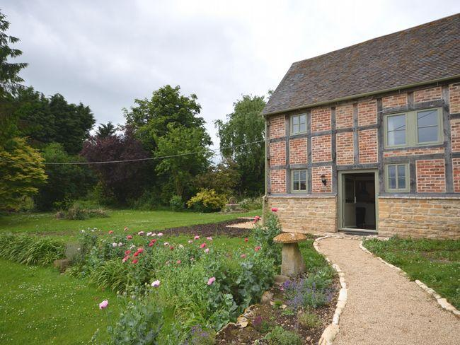 Beautiful converted cottage with exposed beams  - GOSHE - Ashton Under Hill - rentals