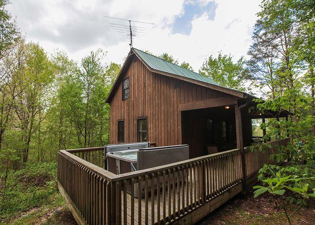 Fun Hocking Hills Cabin with Pool Table and Air Hockey - Image 1 - Logan - rentals