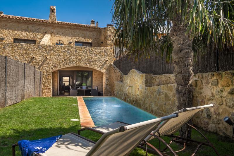 Can Caranta_Aurora House_Garden Façade - CAN CARANTA (Aurora): Splendid XVIIIC. House - Pals - rentals