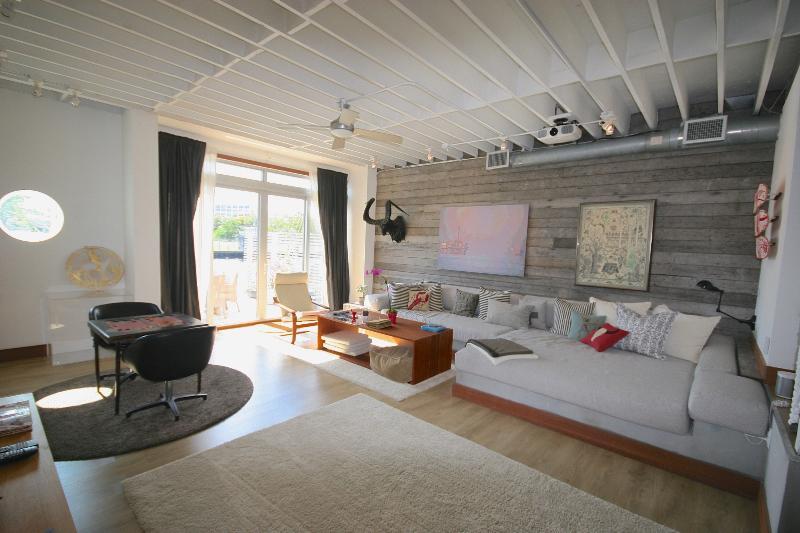 living room - Waterfront 2,800 sq.ft. Art Loft - Coconut Grove - rentals