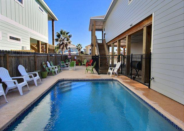 Private Pool - El Capitan BRAND NEW rental, PRIVATE POOL and PET FRIENDLY! 4/4 Sleeps 14!!! - Port Aransas - rentals