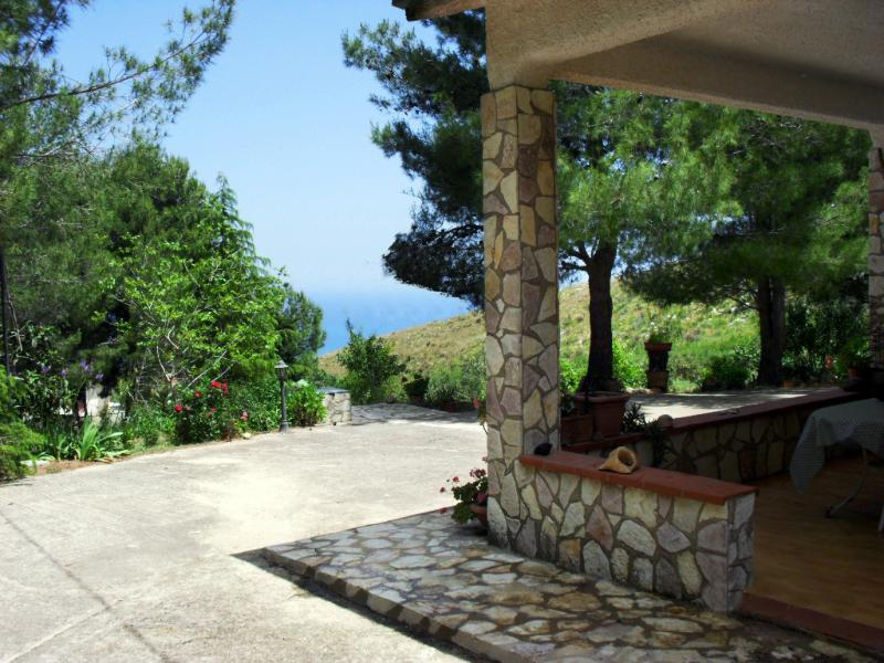Veranda with sea view - Villa Sarmuci, Sea, Nature, Archeology - Castellammare del Golfo - rentals