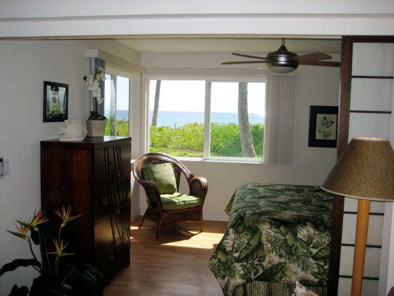 Oceanfront Bedroom - Let the Sound of the Waves Lull You to Sleep! - Beachfront - Hibiscus Suite at Dolphins Point Maui - Kihei - rentals