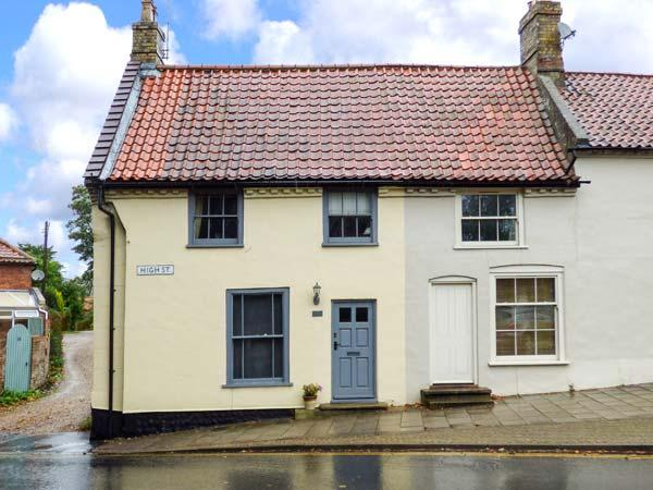 POET'S CORNER, Grade II listed cottage with WiFi, small garden with furniture - Image 1 - Holt - rentals