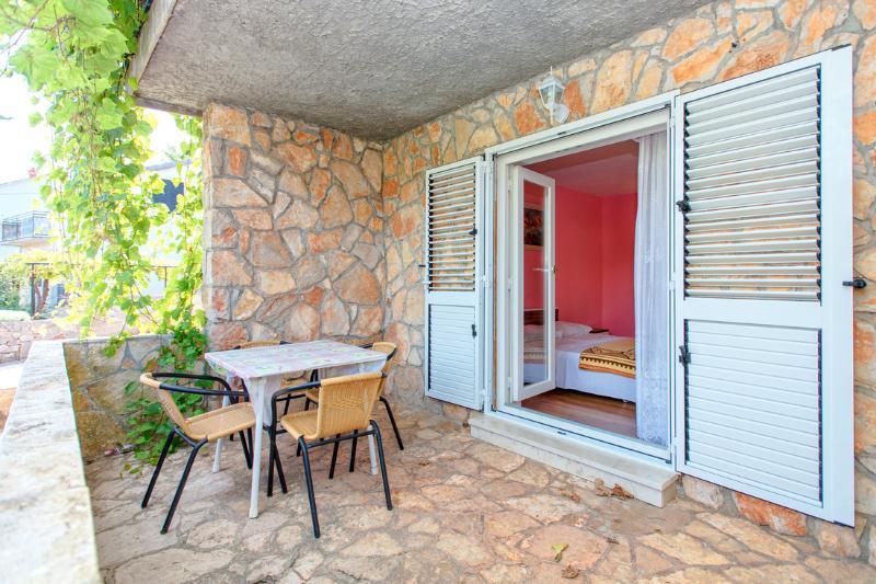 Apartments Marija - 35741-A1 - Image 1 - Jelsa - rentals
