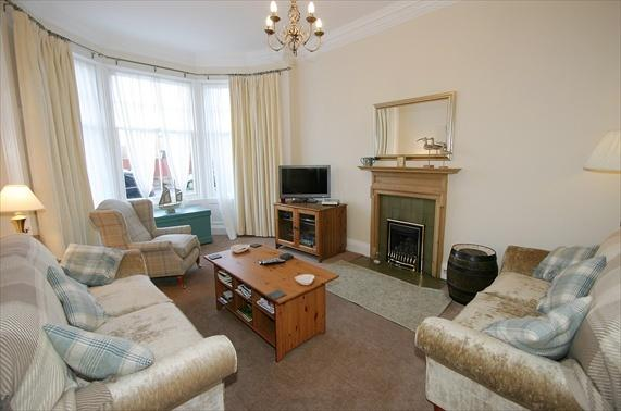 Lounge,very spacious comfortable room - 4* 2bd North Berwick flat: nr beach and golf - Scotland - rentals