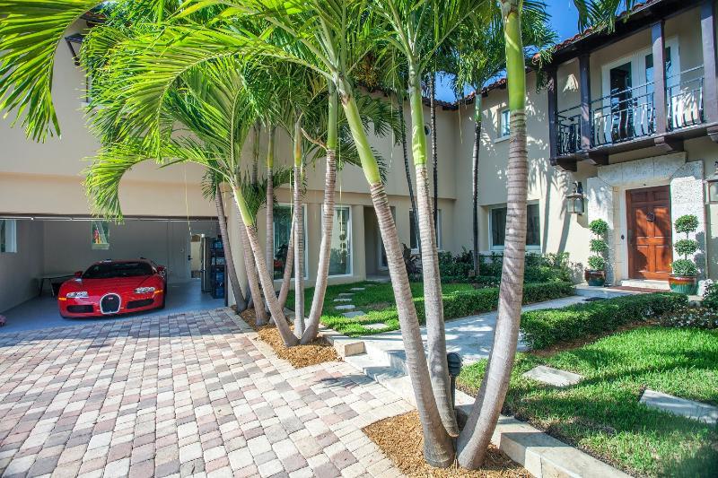 Miami Beach Home on Canal - Image 1 - Miami Beach - rentals